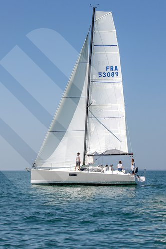 Sail the beautiful waters of La Rochelle on this cozy  Pogo 36