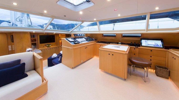 Monohull boat for rent in Tahiti
