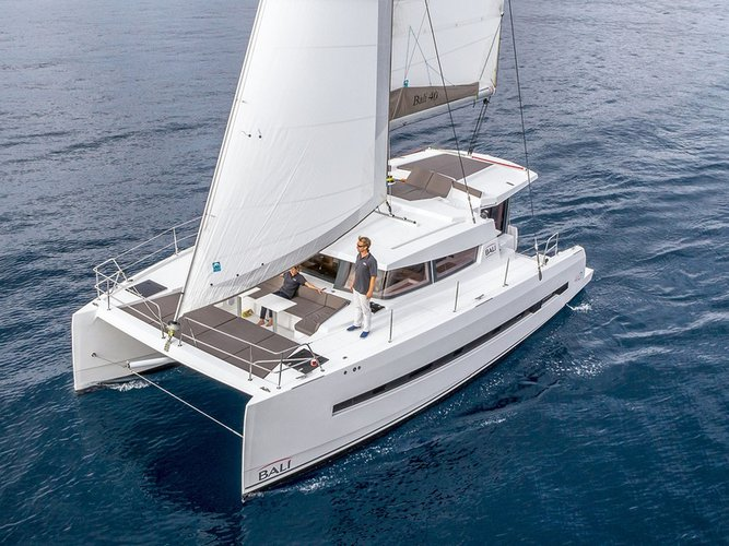 Explore Skiathos on this beautiful sailboat for rent