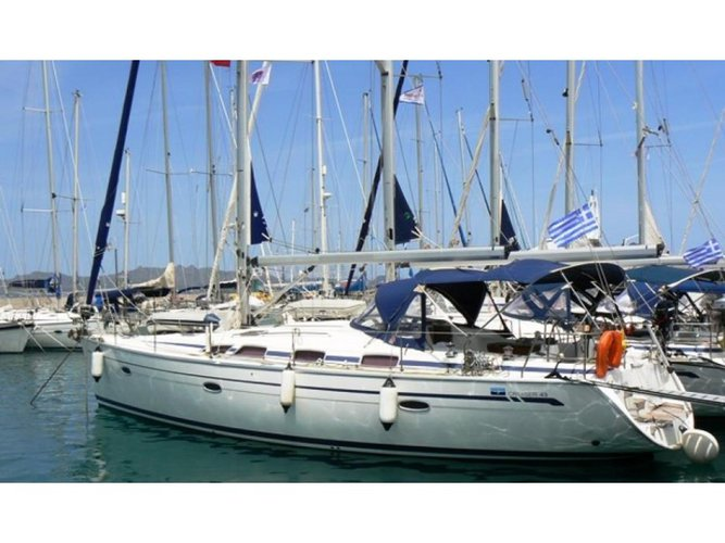 Relax on board our sailboat charter in Patras