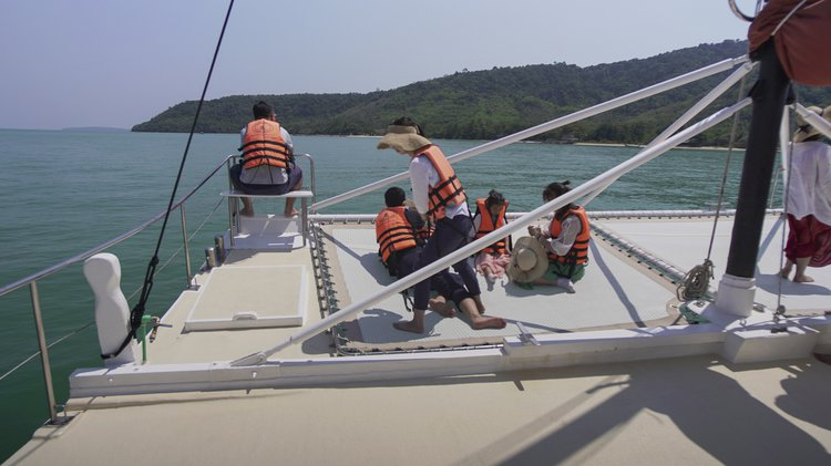 This 58.0' Brand cand take up to 40 passengers around Chalong Bay
