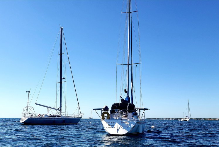 Boating is fun with a Daysailer / Weekender in Miami