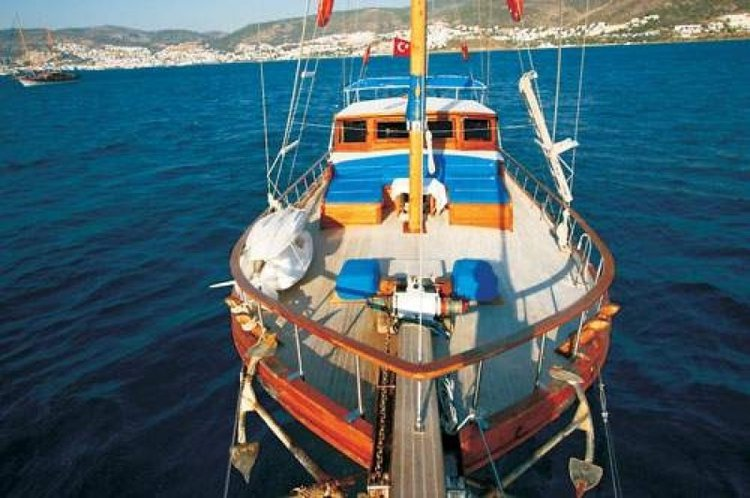 Enjoy sailing at its best on a this gulet charter