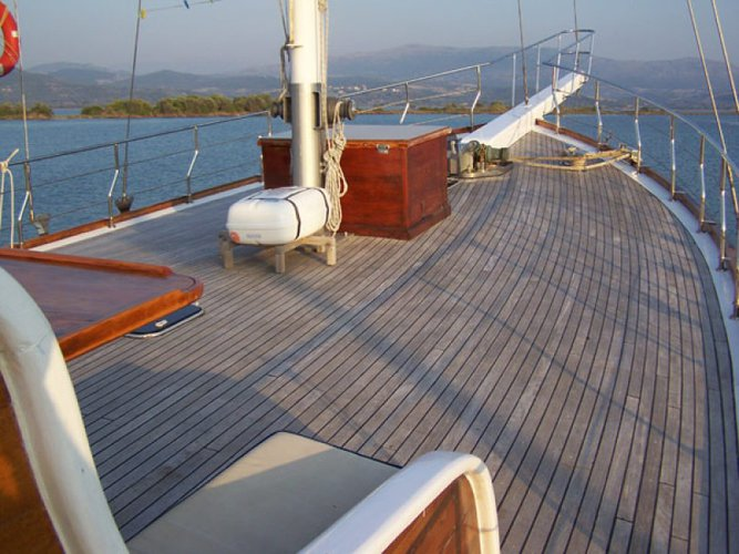 Amazing sail boat for charter, ideal for fun in the sun