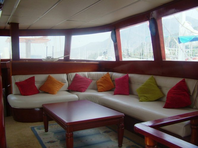 Up to 20 persons can enjoy a ride on this Gulet boat