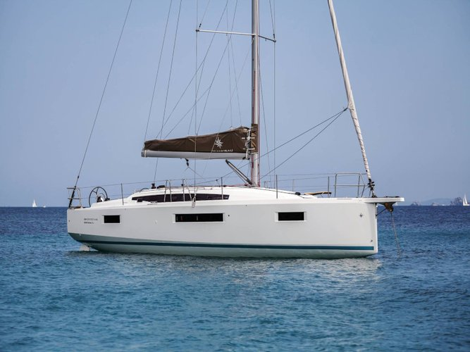 Hop aboard this amazing sailboat rental in Lefkada!