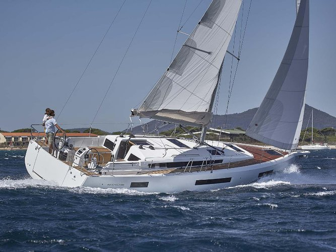 Sail the beautiful waters of Athens on this cozy Jeanneau Sun Odyssey 440
