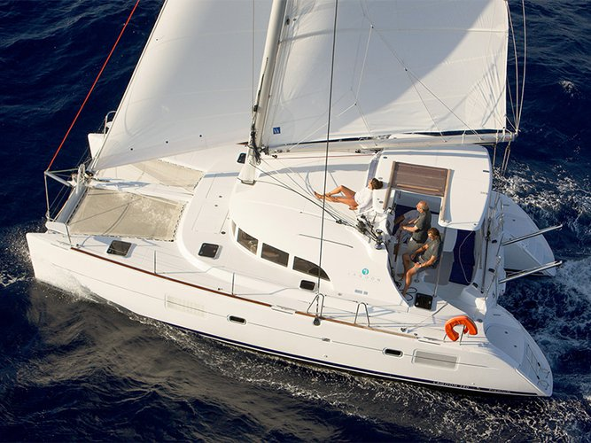 Jump aboard this beautiful Lagoon Lagoon 380