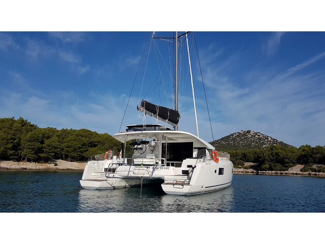 Charter this amazing Lagoon Lagoon 42 in Portisco, IT