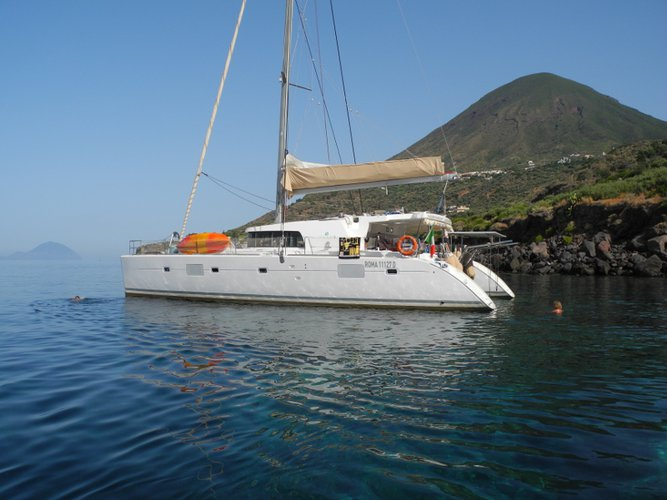 Enjoy luxury and comfort on this Salerno sailboat charter