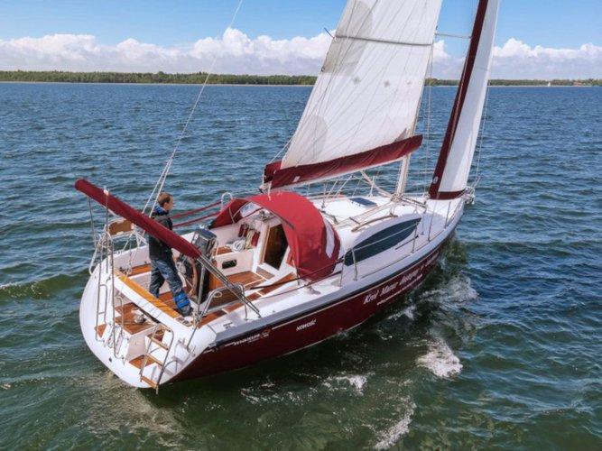 Jump aboard this beautiful Northman Shipyard Maxus 33.1 RS Prestige +