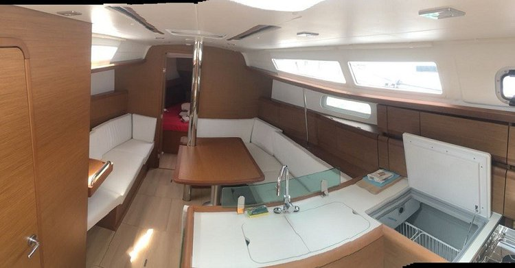 Monohull boat for rent in Sea Cow's Bay