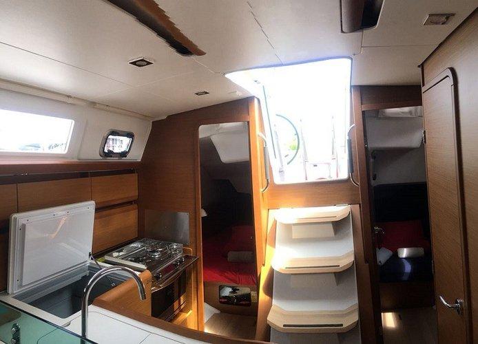 37.0 feet Sun Odyssey in great shape