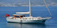 Cruise in style aboard this amazing gulet boat for charter