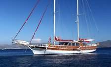 Jump aboard this amazing 79 ft gulet in Turkey