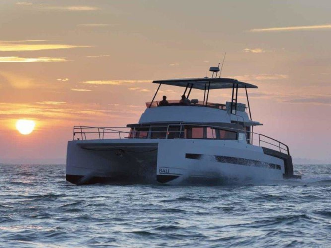 Charter this amazing Bali Catamarans Bali 4.3 MY in Sitges, Barcelona, ES