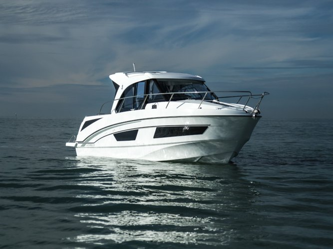 Unique experience on this beautiful Beneteau Antares 9 OB