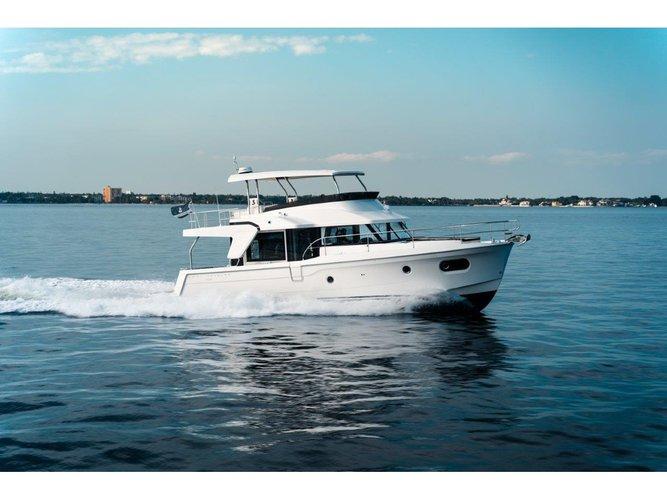 Experience Split, HR on board this amazing Beneteau Swift Trawler 47 (2020)