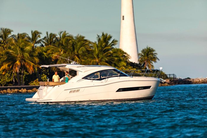 Cruiser boat rental in MBM - Miami Beach Marina,