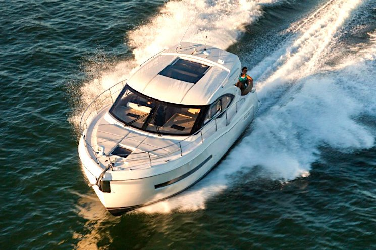 Cruiser boat for rent in Miami Beach