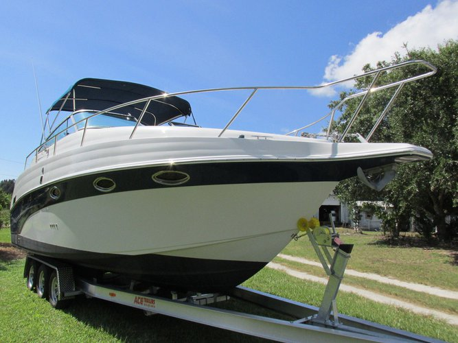Powerful motor boat for your short cruise!
