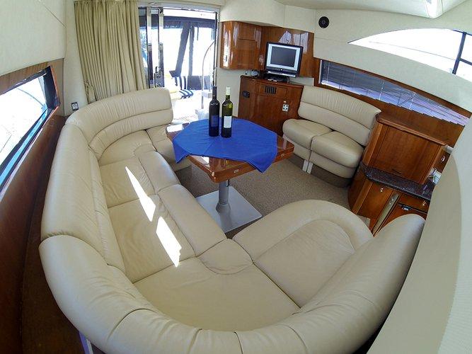 Discover Šibenik region surroundings on this Fairline Phantom 40 Fairline Boats boat