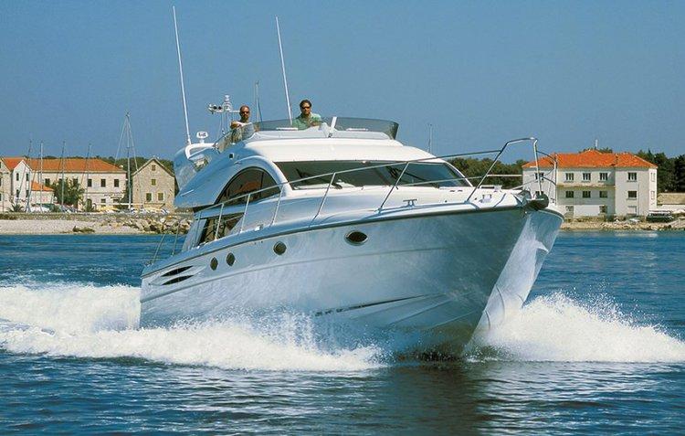 Enjoy Šibenik region, HR to the fullest on our comfortable Fairline Boats Fairline Phantom 50