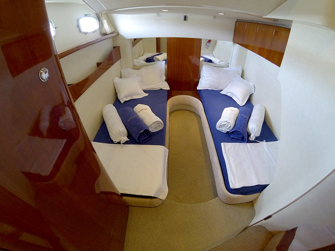 Aft cabin twin beds