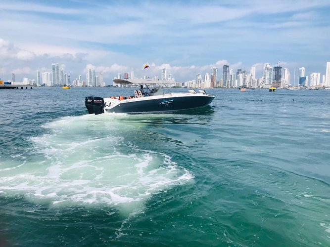 Boating is fun with a Motor boat in cartagena