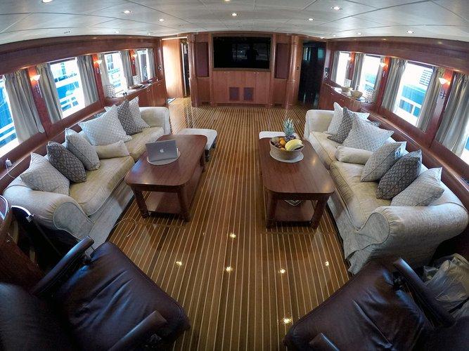 Discover Šibenik region surroundings on this Johnson 87 Johnson boat
