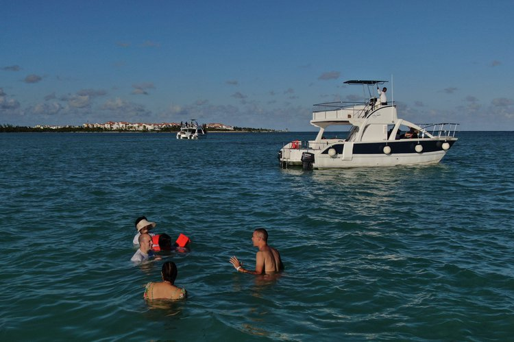 Flybridge boat rental in Marina Cap Cana, Dominican Republic