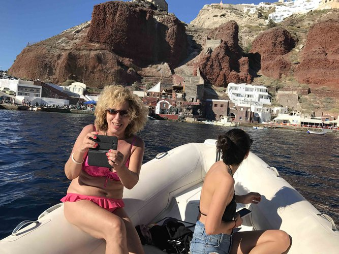 Inflatable outboard boat for rent in Santorini - Vlichada