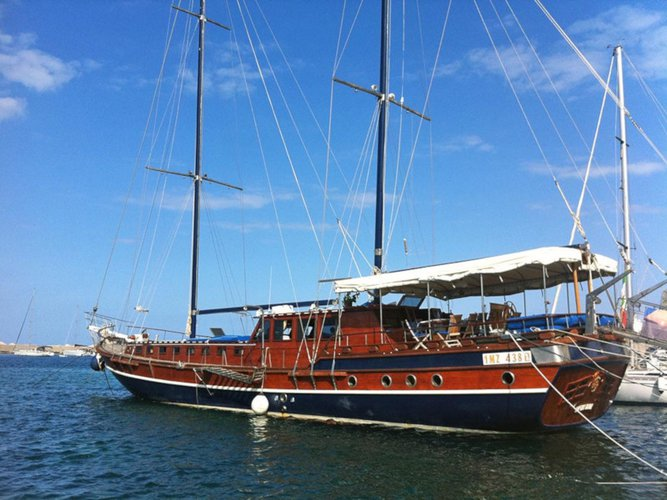 Explore Milazzo on this beautiful sailboat for rent
