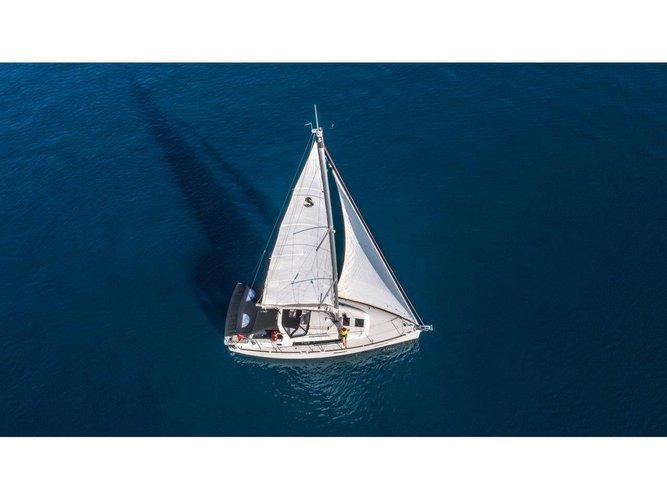 Sail the beautiful waters of Split on this cozy Beneteau Oceanis 38.1 (2017)