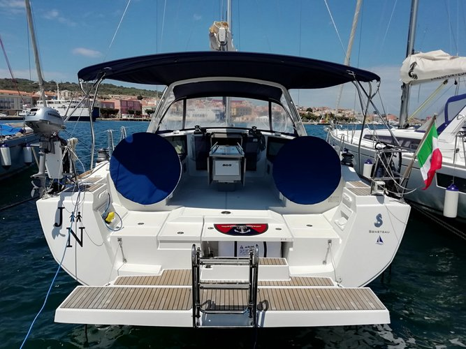 Sail the beautiful waters of Cagliari on this cozy Beneteau Oceanis 45