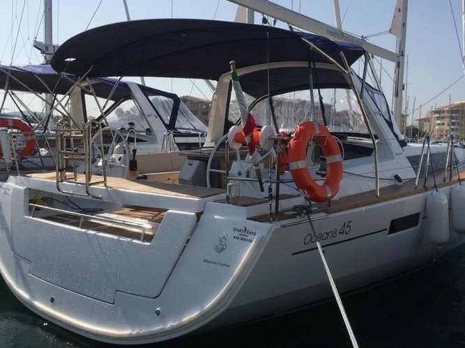 Take this Beneteau Oceanis 45 for a spin!