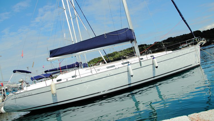 Climb aboard this Beneteau Beneteau Cyclades 50.5 for an unforgettable experience