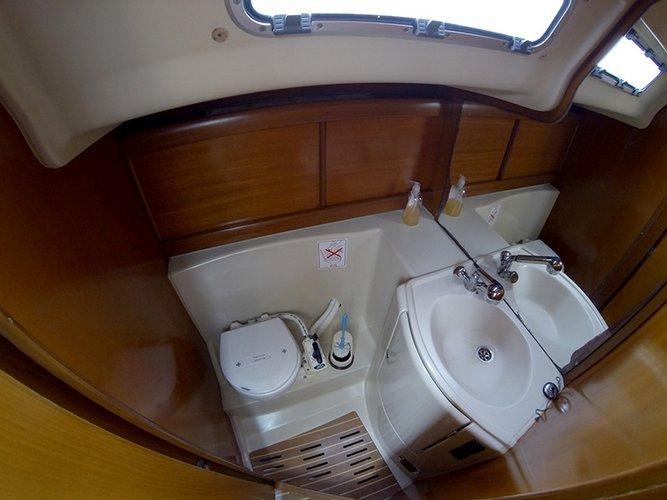 Discover Šibenik region surroundings on this Grand Soleil 40 Cantiere Del Pardo (Grand Soleil) boat