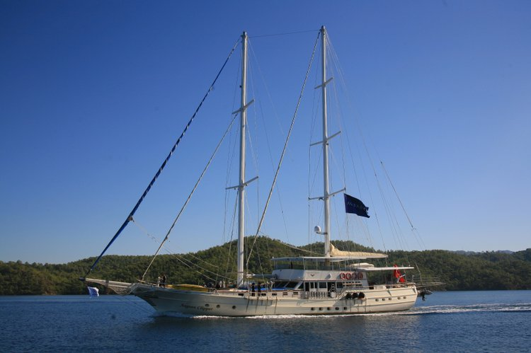 Explore Turkey on our comfortable and luxurious sail boat for rent