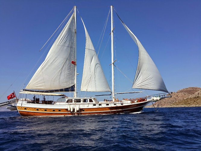 Enjoy luxury and comfort on this sail boat rental