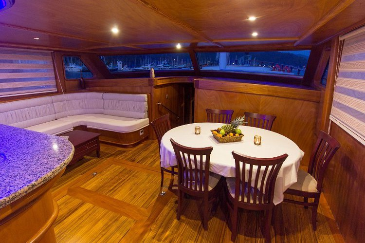 Up to 8 persons can enjoy a ride on this Gulet boat