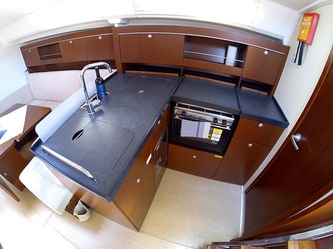 Hanse Yachts's 37.0 feet in Šibenik region