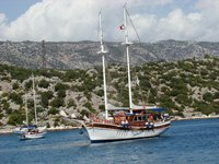 Enjoy and discover Turkey by water on this gorgeous sail boat for rent