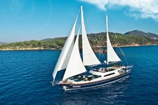 Discover Bodrum in style on thisl elegant  sail boat rental