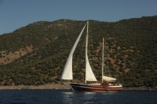 Rent this sail boat in Bodrum and get ready to discover the many things this boating paradise has to offer!