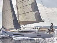 Relax on board our sailboat charter in Castellammare di Stabia