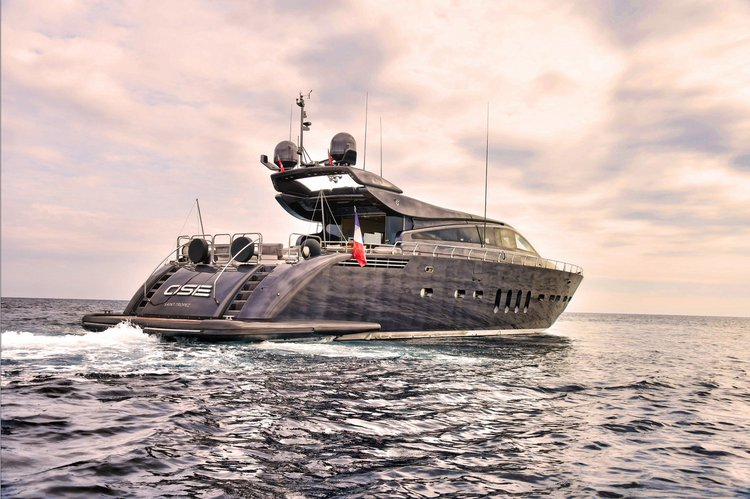 Dare to be different with this super-yacht in Saint-Tropez