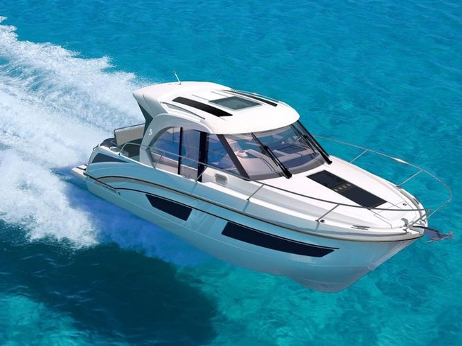 Take this Beneteau Antares 9 OB for a spin!