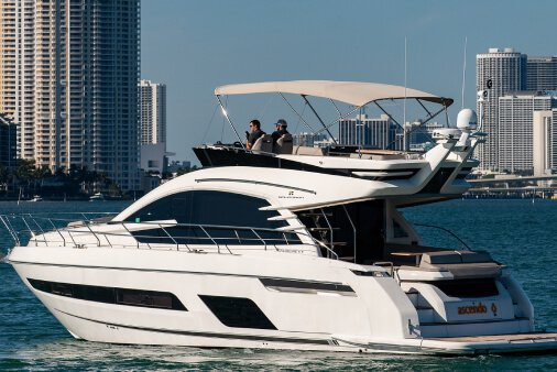 55' Fairline Flybridge Miami Beach w/ crew of 2
