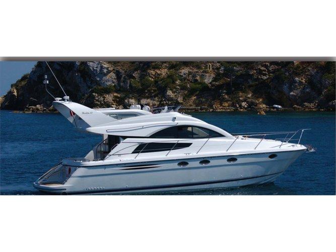 Hop aboard this amazing motor boat rental in Mykonos!